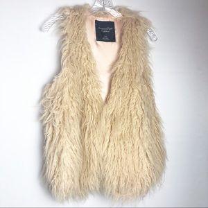 American Eagle Shaggy faux fur vest